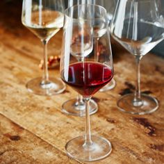 Schott Zwiesel Pure Full-Bodied Red Wine Glasses | Sur La Table