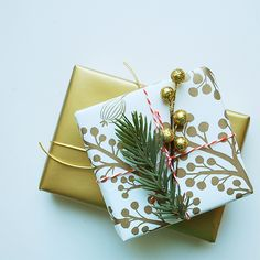 Gorgeous Golden Berries Wrapping Paper by @Anna Bond of Rifle Paper Co. #holidayentertaining