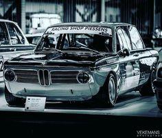 Bmw Vintage, Vintage Racing, Bmw 02, Bmw Classic Cars, Bike Design, Bmw Cars, Retro Cars, Courses, Custom Cars