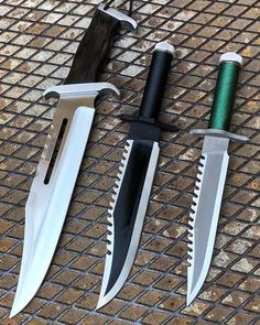 knife making kit with tools Cool Knives, Knives And Tools, Knives And Swords, Rambo 3, Rambo Knife, Blacksmithing Knives, Trench Knife, Tool Store, Sword Design