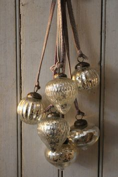 attic - Antiqued Silver Decoration Cluster -