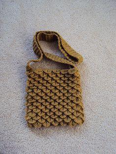 Crocodile Stitch Bag - free crocodile stitch crochet pattern!