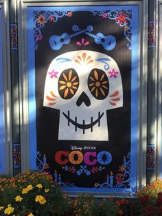 DIY Disney Pixar Coco- Themed Party Ideas - Gone with the twins Disney Diy, Coco Disney, Disney Pixar, Disney Cars, Holidays Halloween, Halloween Crafts, Halloween Party, Ideas Decoracion Cumpleaños, Day Of The Dead Party