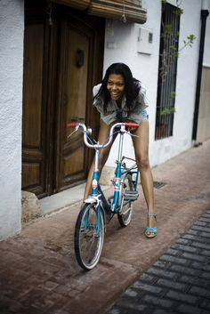 Smile, always... #Bicycle #Girl #Street
