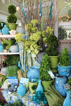 Great color scheme. Blue and green decor