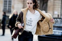 Dior are brewing up a feminist revolution of their own at Paris Couture Fashion Week's Spring/Summer 2017 collections. Moda Instagram, Couture Mode, Style Couture, Couture Fashion, Couture Week, Fashion Week Paris, Street Fashion, Street Style Trends, Camille Hurel