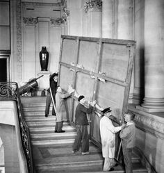 Return of the works at the Louvre Museum after WWII  (1945).
