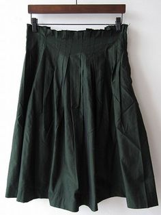 Alice skirt purchase Actual / Actual purchase / Mina perhonen old clothes purchase specialty store drop [drop]............................... ...................... ........................ ............... I would like a really dark green skirt.