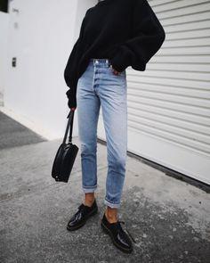 RE/DONE | high rise jeans / A.P.C. PARIS | half-moon bag / H&M | chunky knit / DR MARTENS | dupree 3-eye shoes