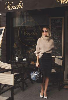 いつだって可愛くいたい!愛され女子の「ゆるふわ可愛い」ペールトーンの大きめニットの着こなし術 | by.S