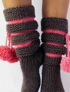 Ravelry: TOPP SoxxBook - patternsMust-Know, Knitted Socks Heel Flap Stitches - What size needles are you using for these socks? Stitch Patterns, Knitting Patterns, Crochet Patterns, How To Purl Knit, Trendy Clothes For Women, Knitting Socks, Knit Socks, Diy Wreath, Handmade Bags