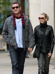 4041a43ff679 Naomi Watts & Liev Scrieber. Celebs, Celebrities, Famous Couples, Nylon  Bag