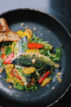 Lynn's Recipe: Grilled Mackerel Salad Lynn's Recipe: Grilled Mackerel Summer Salad from Kilkenny Shops Nassau Street Cafe! Mackerel Salad, Hallumi Recipes, Irish Recipes, Napoleons Recipe, Tiffin Recipe, Cantaloupe Recipes, Bosnian Recipes, Kitchen, Seafood