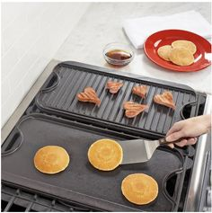 Lodge Logic™ Rectangular Grill & Griddle Pan | Sur la Table