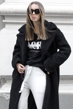 The Big Collar Teddy Coat by NA-KD Trend features a coat in a trendy teddy material, two slant pockets and front snap closure. Checkered Trousers, Teddy Coat, Acne Studios, Sunnies, Fashion Forward, Latest Trends, Vogue, Clothes For Women, Woman Outfits