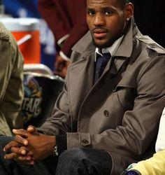 Navy shirt with a white collar / NBA Basketball star The King Lebron James