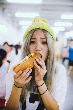 Girl Photography, Hot Dog Buns, Art Girl, Asian Beauty, Pretty Girls, Ulzzang, Exo, Korean, Draw