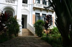 maison coloniale madagascar - Google Search