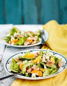 Klementiini-broilerisalaatti | K-ruoka  Raikas klementiini-broilerisalaatti on ruokaisa ja nopea valmistaa arkenakin.