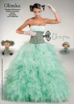 Divertido vestido de quince inspirado en un robot - Funny fifteen dress inspired by a robot