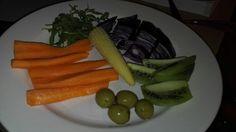 Cruditati Asparagus, Carrots, Good Food, Vegetables, Studs, Carrot, Vegetable Recipes, Healthy Food, Veggies