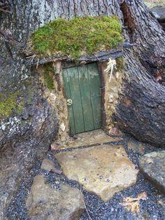 Fairy Door - So cute! Fairy Doors On Trees, Fairy Garden Doors, Fairy Garden Houses, Garden Art, Fairy Gardens, Gnome House, Woodland Fairy, Enchanted Garden, Garden Structures