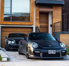 Matte black Porsche & Bentley