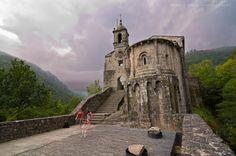 Place: Monasterio de Caaveiro, Fragas del Eume / #Galicia, #Spain. Photo by Ramón Vázquez Morales (flickr.com)