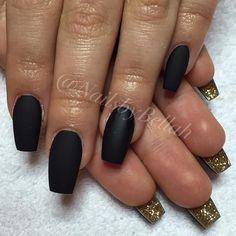 ✨ @nailsbybellah  ___________________________________________  #nails #nail #beauty #pretty #girl #girls  #sparkles #styles #gliter #nailart #art #opi  #essie #unhas #preto #branco #rosa #love #shiny #polish #nailpolish #nailswag #anastasiabeverlyhills #vegas_nay #wakeupandmakeup #hudabeauty #instanails #notpolish #instanails #notd