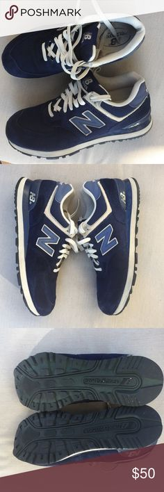 New Balance 574 Unisex Navy blue New Balance In great condition. New Balance Shoes Sneakers