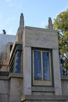 Hollyhock House - Frank Lloyd Wright
