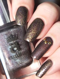 nail-art-automne-fall-stamping-chez-delaney-frenz-nail-cybermetal-seeping-palade-a-england-feuilles-automne-stufs-carroussel-bornprettystore-avis-essai-vernis-ongles-longs-naturel (8)