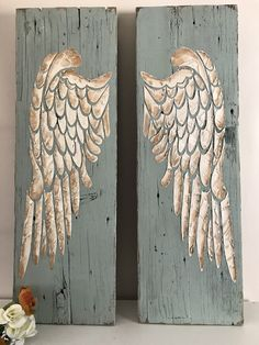 Engel / Flügel Your Tip for Calming Fussy Babies Could Be a Winner If you've found yourself soothing Wood Angel Wings, Angel Wings Painting, Angel Wings Wall Decor, Angel Decor, Angel Art, Wing Wall, Distressed Wood Signs, Recycled Wood, How To Distress Wood