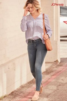 6a528831b2c4 Skinny jeans for women are having a major style moment. While they re in