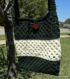 Swirls and Sprinkles easy free crochet bag pattern - lots of free patterns here