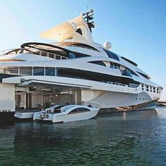 Mega yacht lifestyle _ ©Unknown