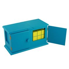 """Experts call this a """"Sucker Die Box"""". The yellow dice/block is placed into the box. The doors and sides are opened to show it has vanished. Each unit comes with an extra block that can be used to """"reappear"""" the vanished block."""