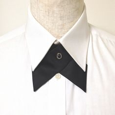 6.Reverse Pin Fastening / 逆さピン留め Continental Cross-Over Tie ,クロスタイ,メンズ服飾文化,作り方,ピン Black Tie Wedding, Wedding Suits, Sewing Men, Collar Tips, Men Design, Mens Fashion, Fashion Outfits, African Wear, Mens Suits