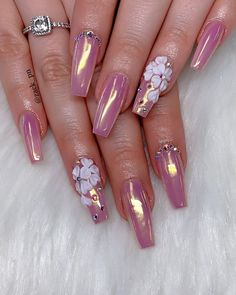 is a nail polish design by catwalk queen Naomi Campbell. Bling Acrylic Nails, Bling Nails, Best Acrylic Nails, Swag Nails, 3d Nail Designs, Cute Acrylic Nail Designs, Elegant Nails, Stylish Nails, Crome Nails