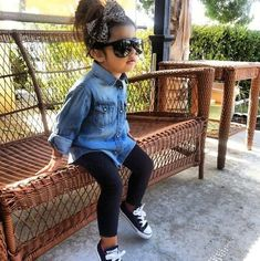 Converse with black leggings and denim shirt. Little girl outfit. Little girl style. Little fashionista. Little Girl Outfits, Little Girl Fashion, Toddler Girl Outfits, Toddler Fashion, Toddler Girl Style, Stylish Toddler Girl, Little Girl Style, Girls Fashion Kids, Baby Style