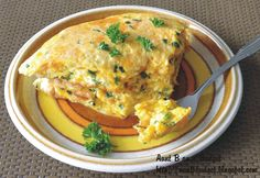 Aunt B on a Budget: Puffy Omelette with Cheddar and Chives Egg Recipes, Brunch Recipes, Breakfast Recipes, Cooking Recipes, Breakfast Ideas, Omelette Recipe, Sunday Breakfast, Cooking On A Budget, Cheddar