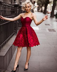 Micah Gianneli -❤️ That girly/flirty/romantic feeling ❤️This @jadoreevening dress does just that