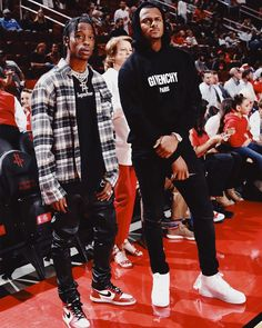 Whos rocking a better fit? Travis Scott or Deshaun Watson? Travis Scott Outfits, Travis Scott Fashion, Travis Scott Style, Estilo Hipster, Urban Fashion, Mens Fashion, Deshaun Watson, Teen Boy Fashion, Flannel Outfits