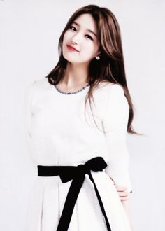 Suzy ❤️ an older sister who share same birthday with me