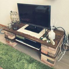 お手軽なのにオシャレ♪レンガブロックで簡単棚をDIYしよう! | folk テレビボード6