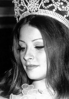 Beautiful Inside And Out, Most Beautiful Women, Hawaiian Tropic, Miss World, Beauty Pageant, Tiaras And Crowns, Beauty Queens, Vintage Beauty, Actresses
