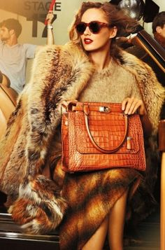 Michael Kors Fall Catalog 2012 - Michael Kors has unveiled his fall catalog 2012 featuring models Karmen Pedaru and Simon Nessman lensed by the one-and-only Mario Testino. Have a nosey and find a little inspiration for your cold-weather combos!