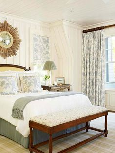 Combine finely finished furniture, elegant appointments, and posh fabrics to fashion conventionally traditional bedrooms and establish fresh classic designs that give traditional a gentle twist. Blue Bedroom, Bedroom Colors, Casual Bedroom, Bedroom Ideas, Teen Bedroom, Barn Bedrooms, Master Bedrooms, Luxury Bedrooms, Bedroom Retreat