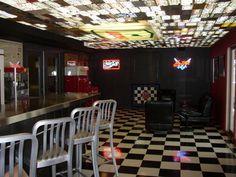 Bar & Garage