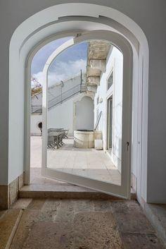 wonderful renovated 18th century house in Lisbon